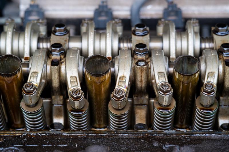 Overhaling, service, klassing og reparasjoner av motor, hjelpemotor eller generator både om bord og på landbaserte anlegg hos Ulmatec Skipsservice.